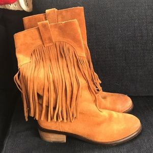 Lucky brand 10 fringe boots brown excellent
